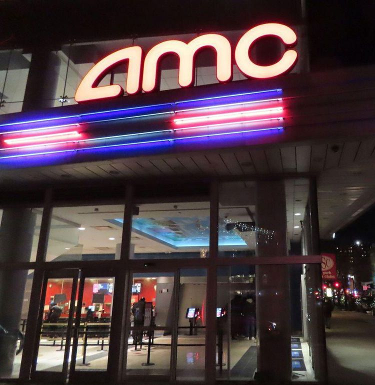 """""""映画館と配信の共存""""へ新たな一歩!米映画館チェーンがメジャー4社と配信条件の契約に合意"""
