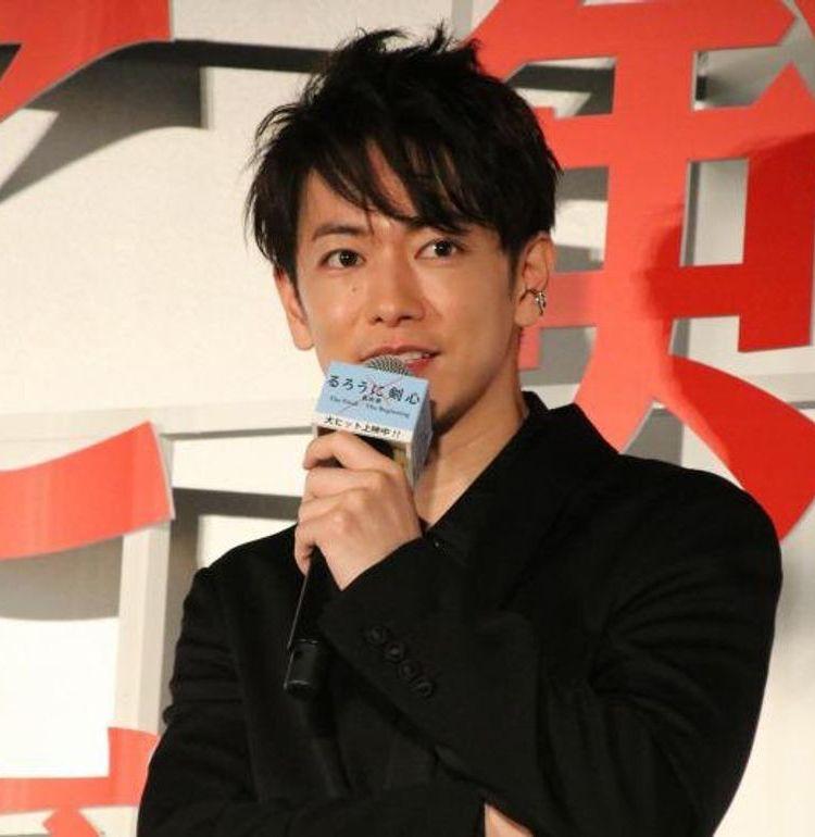 佐藤健、ワンオクTakaは「嫁です」『るろうに剣心』舞台挨拶で信頼関係にじませる