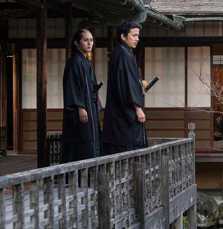 岡田准一が『燃えよ剣』で共演の山田涼介を「1000年に1人の逸材」と絶賛