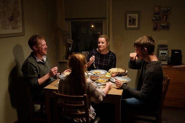 現代社会が失いつつある家族の美しくも力強い絆に、激しく胸を揺さぶられる