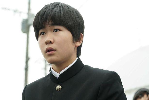 鈴木福も弱小ハンド部を戦略面で支える部員の次郎として出演している