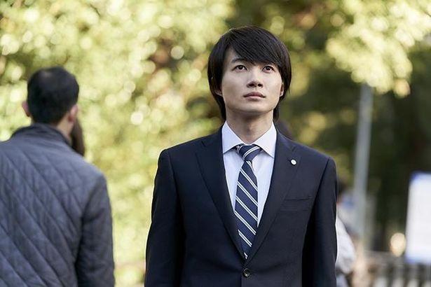 【写真を見る】池井戸作品初出演の神木隆之介が、悩める若手社員を熱演