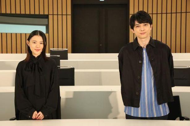 『青くて痛くて脆い』のオンライン試写会に登壇した吉沢亮と杉咲花