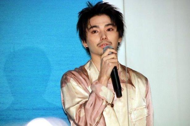 『ソワレ』の公開記念舞台挨拶に登壇した村上虹郎