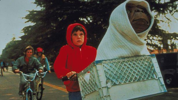 『E.T.』の名シーンは何度見ても泣ける!