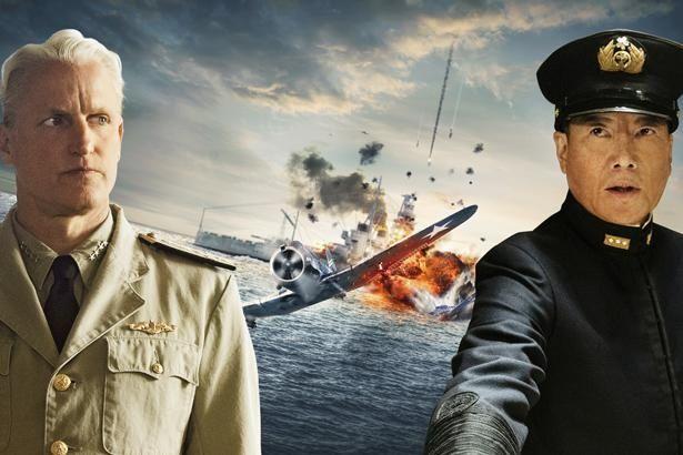 米軍のニミッツ大将役にウディ・ハレルソン、山本五十六を豊川悦司が演じる(『ミッドウェイ』)