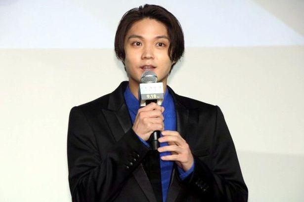 【写真を見る】目を輝かせてノーラン監督について語る磯村勇斗