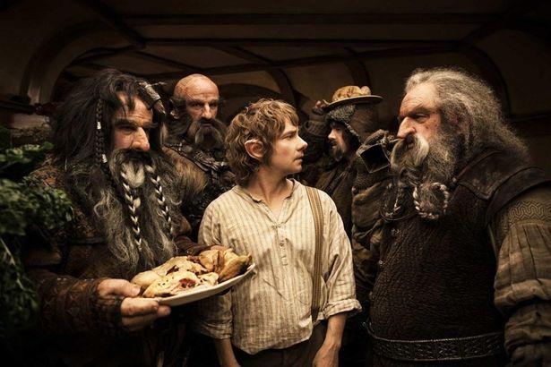 ホビットのビルボ・バギンズが13人のドワーフと竜退治の冒険へ出る「ホビット」三部作のエクステンデッド版を解説(『ホビット 思いがけない冒険』)
