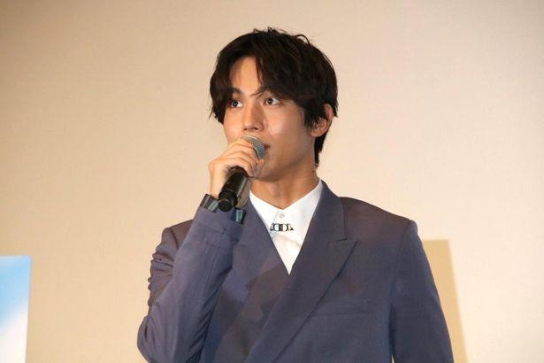 鈴川恒夫役の声優を務めた中川大志