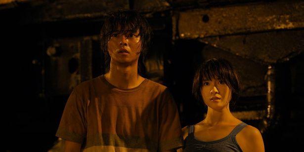 山崎賢人と土屋太鳳がW主演を務める話題作「今際の国のアリス」