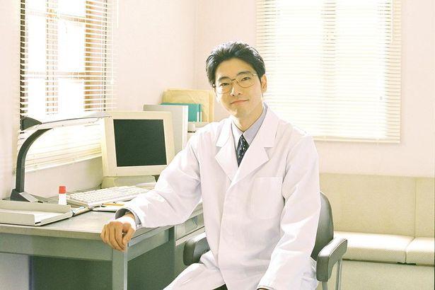 【写真を見る】柄本佑が、阪神・淡路大震災時に被災者に寄り添った精神科医に扮する
