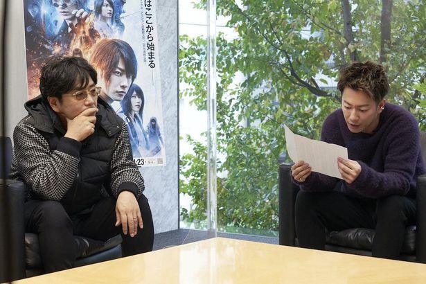 【写真を見る】和月伸宏からのメッセージに、佐藤健&大友啓史監督が感無量!