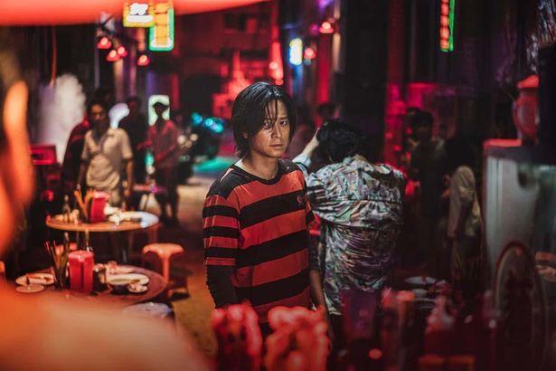 香港に避難した主人公たちは感染者として差別を受ける