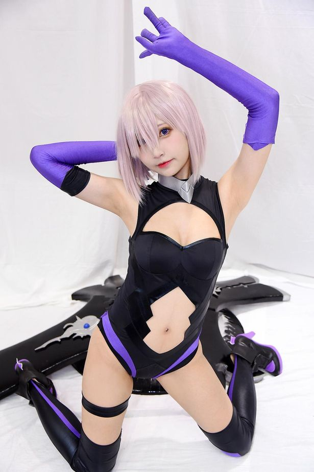 「Fate/Grand Order」のマシュ・キリエライトに扮する小柔SeeUさん