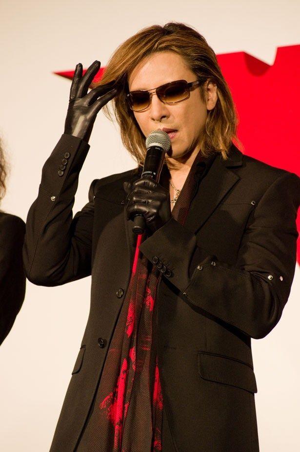 X JAPANのリーダー、YOSHIKI(Dr, Piano)