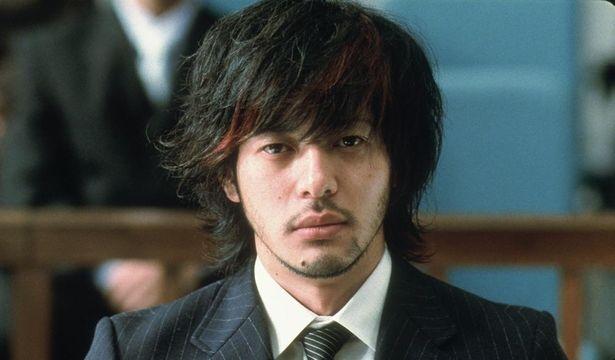 オダギリジョーと香川照之が兄弟役に扮した、緊迫感みなぎる人間ドラマ『ゆれる』(06)