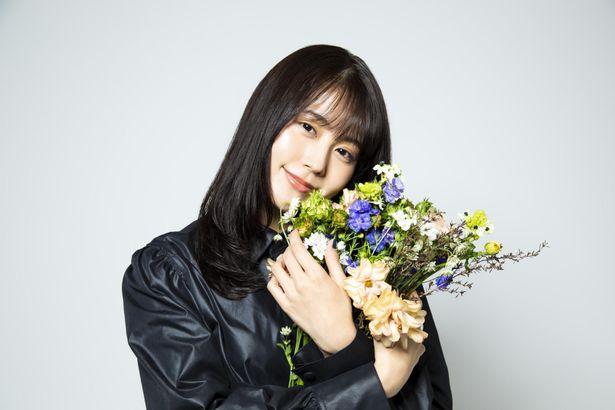 『花束みたいな恋をした』で菅田将暉と共に主演を務めた有村架純