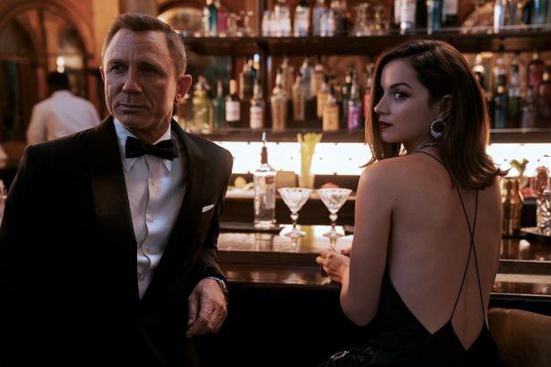 「007」最新作も秋に再延期となるなど、まだ映画業界の復活の兆しは遠く…
