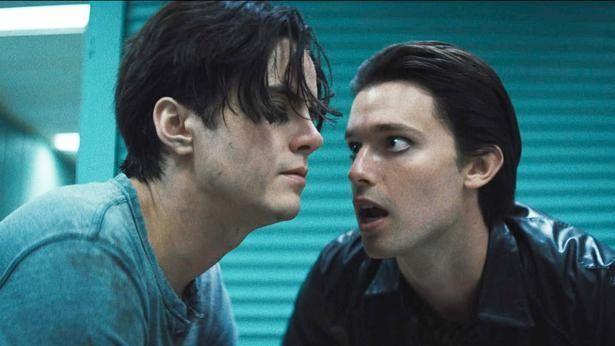"""内気な青年ルークは、""""空想上の親友""""ダニエルに支配されていく(『ダニエル』)"""