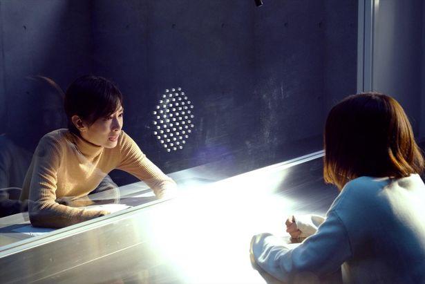 面会室のシーンでは、北川と芳根の熱演に圧倒される