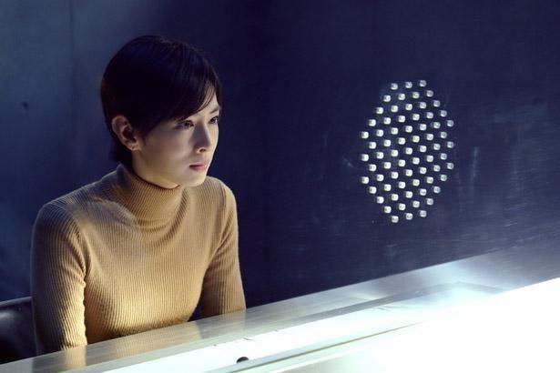 【写真を見る】北川景子がデビュー以来、初となるショートカット姿で難役に挑む(『ファーストラヴ』)