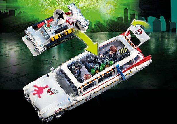 上部が開くので、メンバー全員を乗車させることができる(「70170『ゴーストバスターズ 2』 エクトワンA」)
