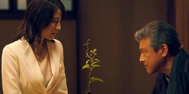 【写真を見る】中国でも人気の高い長澤まさみと三浦友和の出演シーンをチェック