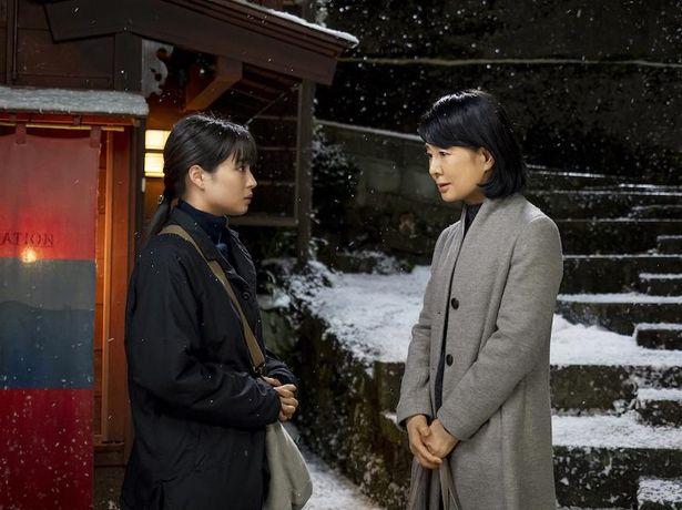 雪の降る中ひとり思い悩む佐和子に正面から向き合う麻世