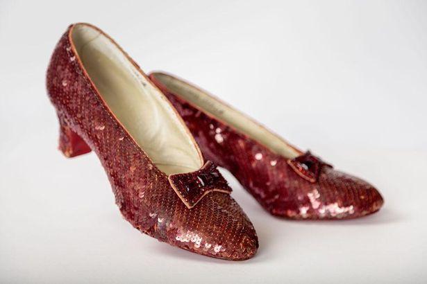 『オズの魔法使』(39)でドロシーが履いていた赤い靴