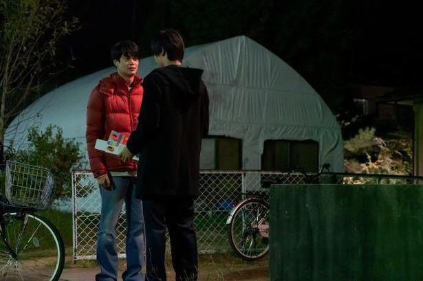 井之脇は、清澄の親友である田丸玄悟役を好演する
