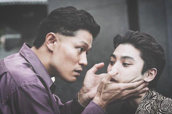 『孤狼の血 LEVEL2』から鈴木亮平演じる上林の場面写真が到着