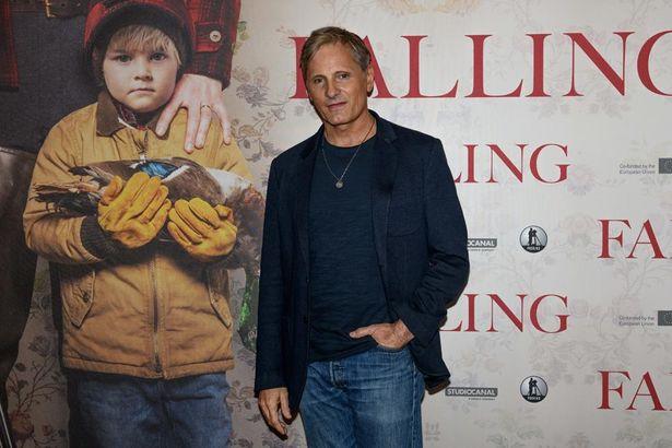 名優ヴィゴ・モーテンセンの初監督作品で、LGBTQと家族という繊細なテーマを描く『Falling』