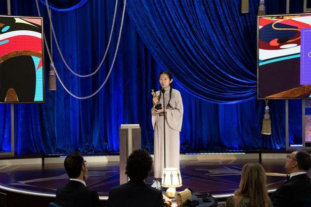 『ノマドランド』(公開中)で監督賞を受賞したクロエ・ジャオ監督