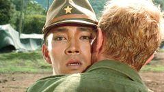 セリアズ少佐がヨノイ大尉の頬にキスをするエモーショナルなシーンの画面の揺れは、機材トラブルによるものだとか(『戦場のメリークリスマス』)
