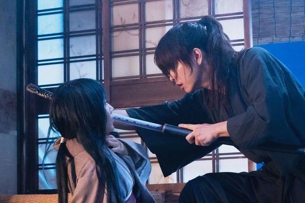 【写真を見る】佐藤健の美しさに目を奪われる…明かされる剣心の哀しき過去とは?