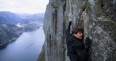 トム・クルーズが『M:I』シリーズ最新作で挑んだ命がけのシーンについて語る!