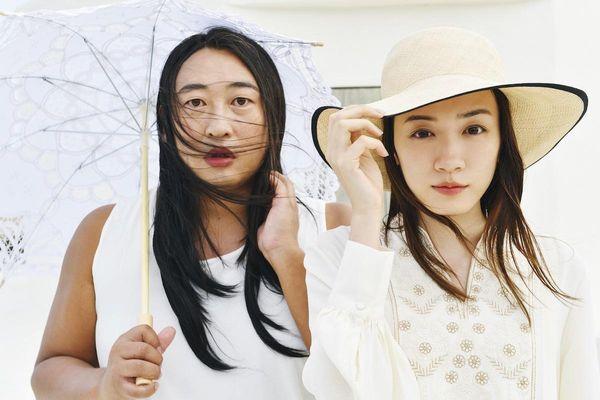 永野芽郁と藤原采、清純派女優の透明感あふれる2ショット