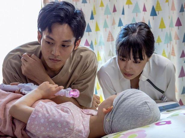 咲和子と共に働く、医大卒業生の野呂聖二(松坂桃李)と訪問看護師の星野麻世(広瀬すず)