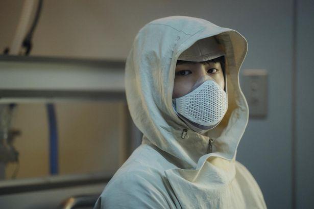 【写真を見る】感情の振幅がすごい…『SEOBOK/ソボク』青春スターのパク・ボゴムに注目!