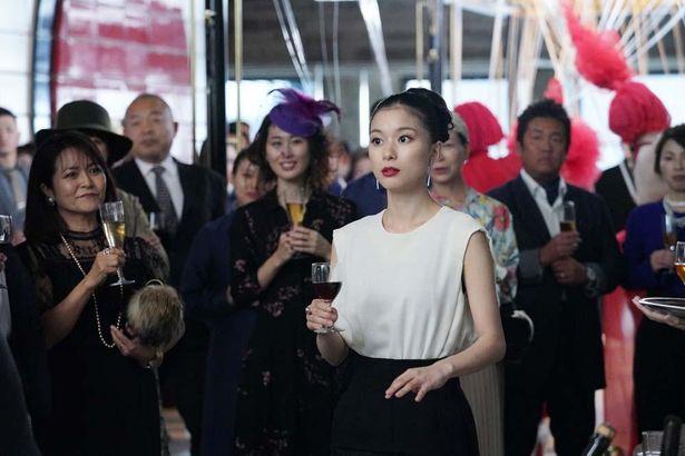 リナ役の芳根京子は17歳~100歳以上を熱演