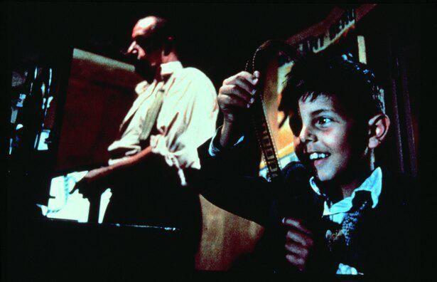 劇中、ジーンが試写室で観た『ニュー・シネマ・パラダイス』の上映時間は123分