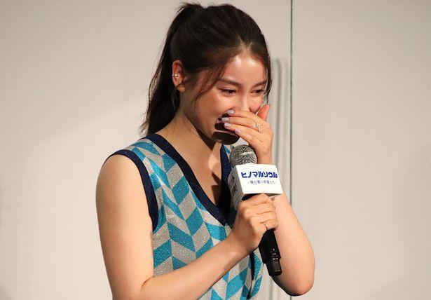 【写真を見る】大粒の涙を流した土屋太鳳ほか、出演者たちの涙の一幕!