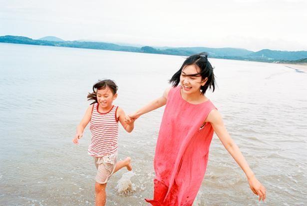 女優としても活躍する小川沙良の初長編監督作でオリジナル作品(『海辺の金魚』)