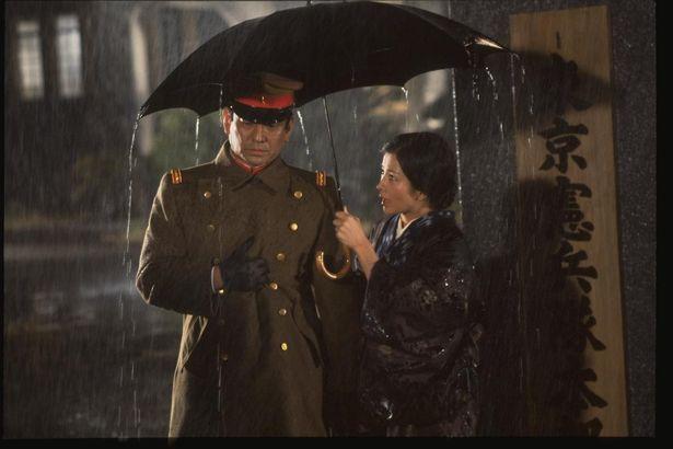 【写真を見る】高倉健主演、吉永小百合共演『動乱 第1部海峡を渡る愛/第2部雪降り止まず』