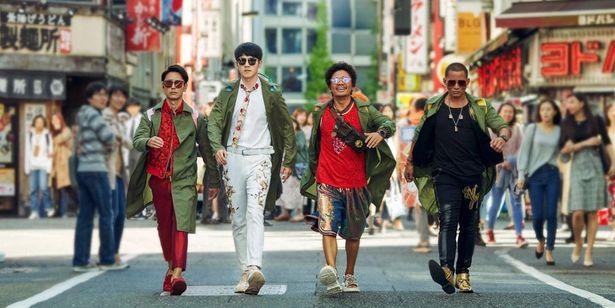 西新宿を闊歩する中国、日本、タイの探偵たち