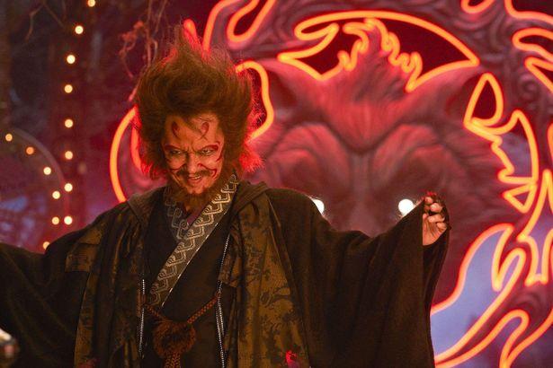 大沢たかお演じる隠神刑部。妖怪チームとぶつかり合う彼は、敵か味方か…