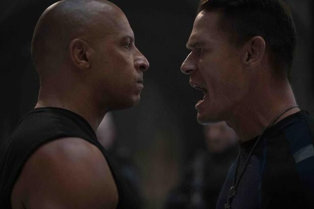 【写真を見る】ドミニクの弟で強敵となるジェイコブを演じるのは、プロレスラーでもあるジョン・シナ(『ワイルド・スピード/ジェットブレイク』)