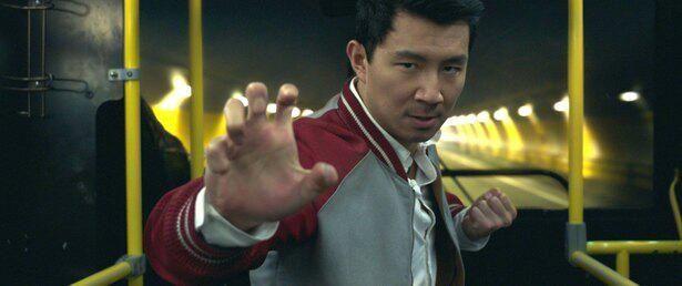 【写真を見る】マーベル・スタジオ新時代の幕開けを担うヒーロー、シャン・チー