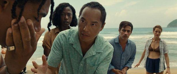 南の島の楽園リゾートにあるプライベートビーチを訪れた人たちに次々と異変が…