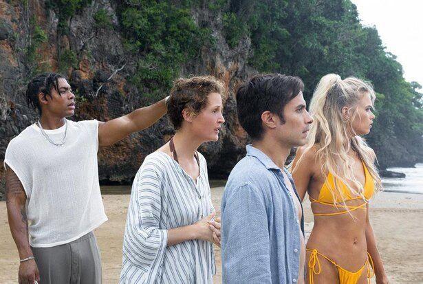 実際の浜辺で撮影された本作、コロナ禍のキャストたちにとって、より開放的に感じられたようだ